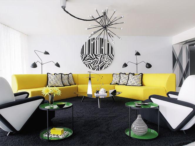 Living com Sofá Amarelo