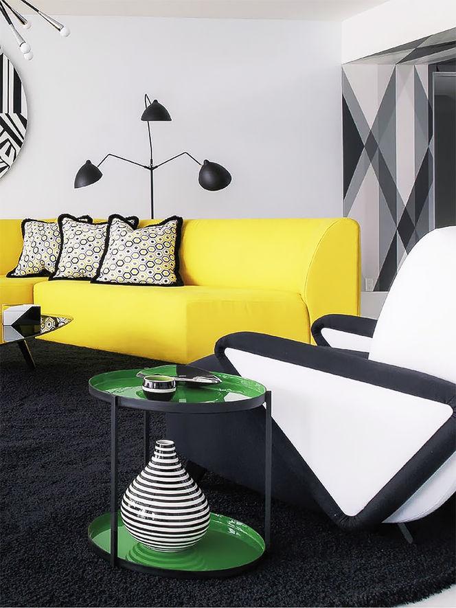 Living Moderno com Sofá Amarelo